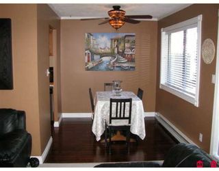 "Photo 4: 204 1437 MARTIN Street in White_Rock: White Rock Condo for sale in ""Heatherstone"" (South Surrey White Rock)  : MLS®# F2824156"