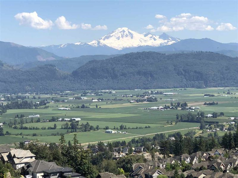 FEATURED LISTING: 2789 EAGLE MOUNTAIN Drive Abbotsford