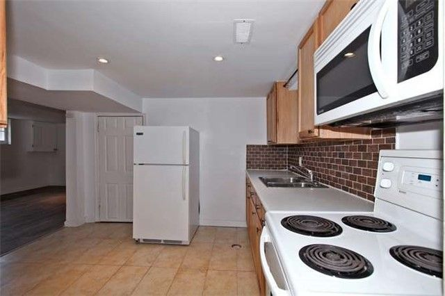 Photo 7: Photos: Lower 50 S Wilson Road in Oshawa: Central House (Bungalow) for lease : MLS®# E4018208