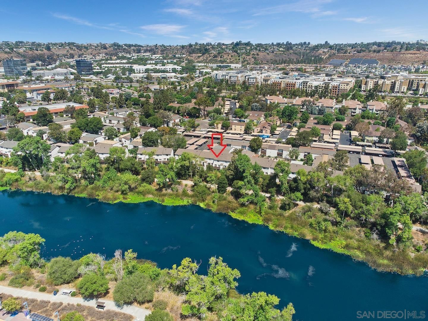 Main Photo: MISSION VALLEY Townhouse for sale : 2 bedrooms : 8039 Caminito De Pizza #J in San Diego