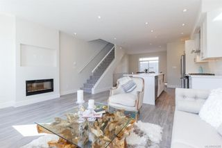 Photo 13: 607 Selwyn Close in Langford: La Thetis Heights Row/Townhouse for sale : MLS®# 834395