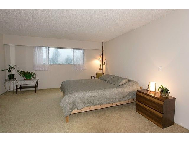 """Photo 11: Photos: 9725 155A Street in Surrey: Guildford House for sale in """"BRIARWOOD"""" (North Surrey)  : MLS®# F1430730"""