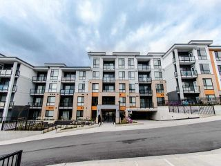 Photo 18: 104 20087 68 Avenue in Langley: Langley City Condo for sale : MLS®# R2479956
