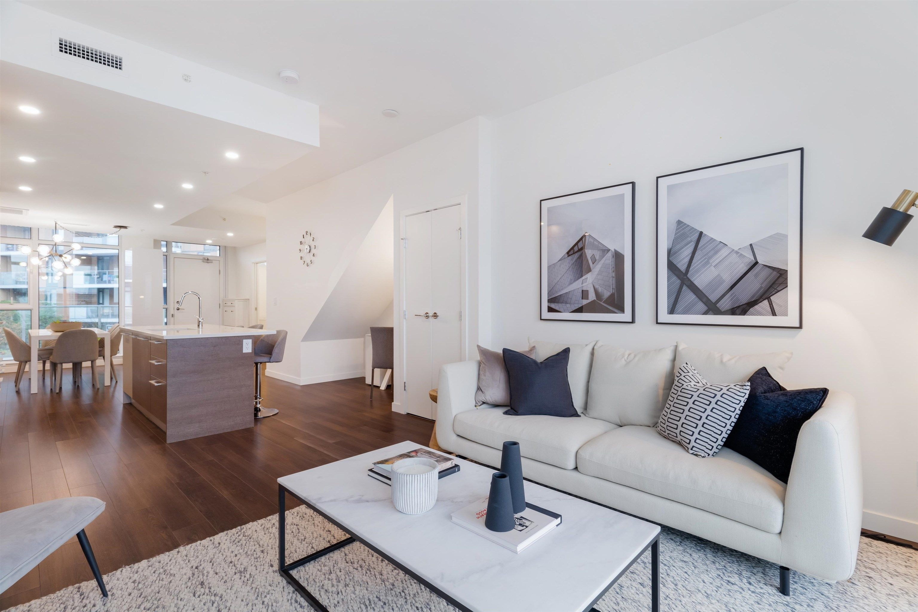 """Main Photo: 523 2508 WATSON Street in Vancouver: Mount Pleasant VE Townhouse for sale in """"THE INDEPENDENT"""" (Vancouver East)  : MLS®# R2625701"""