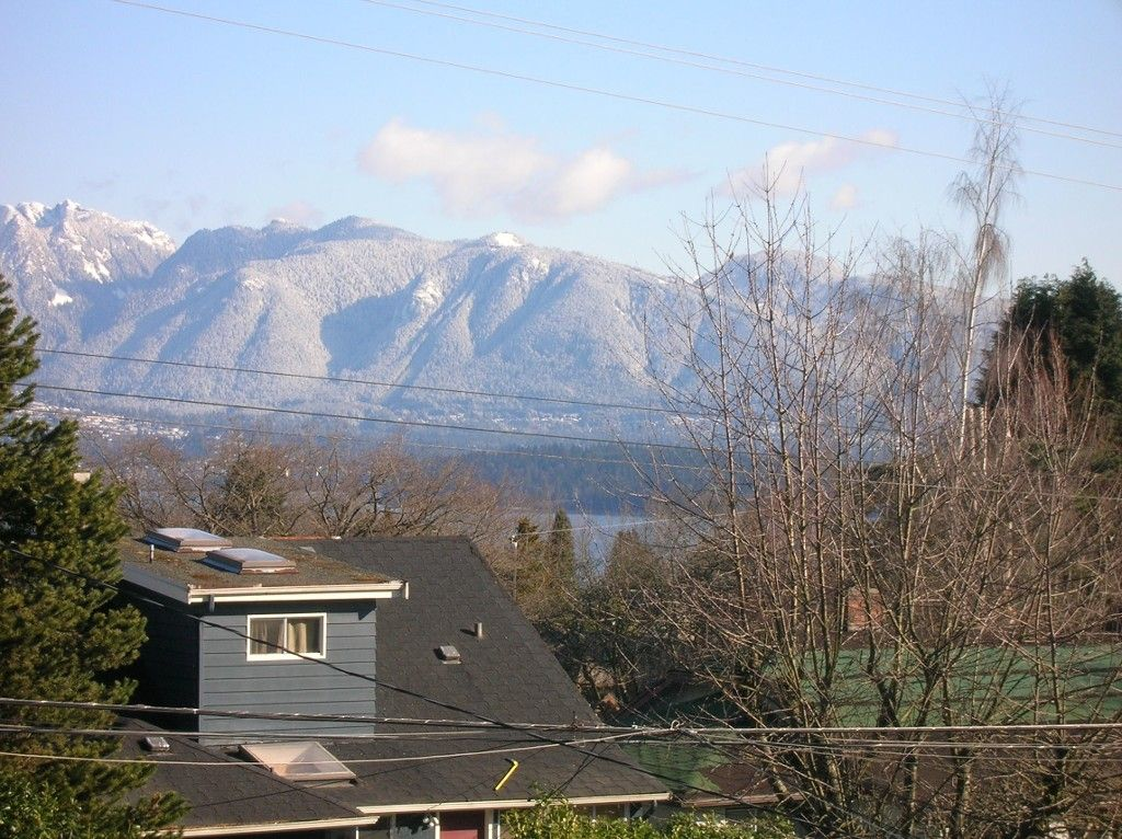 """Main Photo: 4143 W 13TH Avenue in Vancouver: Point Grey House for sale in """"POINT GREY"""" (Vancouver West)  : MLS®# V1077106"""