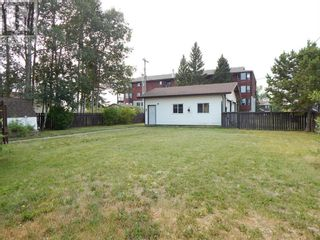 Photo 4: 10317 99 Avenue in High Level: House for sale : MLS®# A1130617