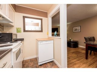 """Photo 13: 10531 HOLLY PARK Lane in Surrey: Guildford Townhouse for sale in """"HOLLY PARK LANE"""" (North Surrey)  : MLS®# R2147163"""
