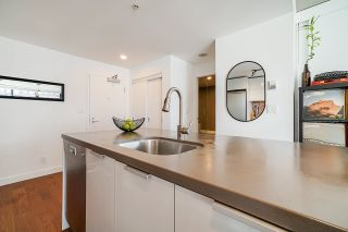 """Photo 6: 2008 108 W CORDOVA Street in Vancouver: Downtown VW Condo for sale in """"WOODWARDS"""" (Vancouver West)  : MLS®# R2537299"""