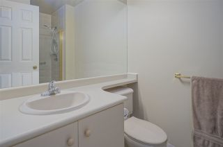 """Photo 10: 905 5885 OLIVE Avenue in Burnaby: Metrotown Condo for sale in """"METROPOLITAN"""" (Burnaby South)  : MLS®# R2428236"""