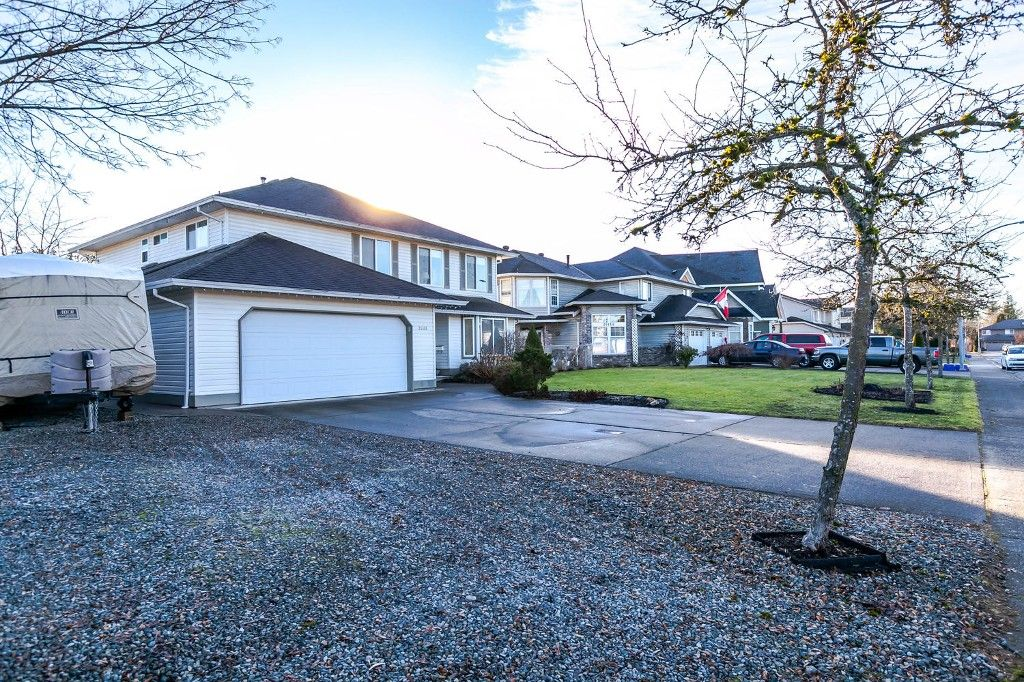 Main Photo: 21484 50 Avenue in Langley: Murrayville House for sale : MLS®# R2133627