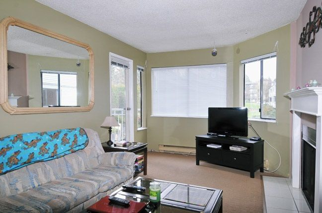 """Photo 2: Photos: 203 9584 MANCHESTER Drive in Burnaby: Cariboo Condo for sale in """"BROOKSIDE PARK"""" (Burnaby North)  : MLS®# R2118697"""