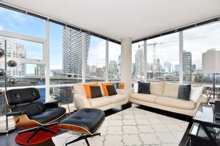 "Photo 2: 1005 638 BEACH Crescent in Vancouver: Yaletown Condo for sale in ""ICON"" (Vancouver West)  : MLS®# R2357913"