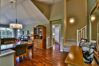 "Photo 2: 13 17917 68 Avenue in Surrey: Cloverdale BC Townhouse for sale in ""WEYBRIDGE LANE"" (Cloverdale)  : MLS®# R2170023"