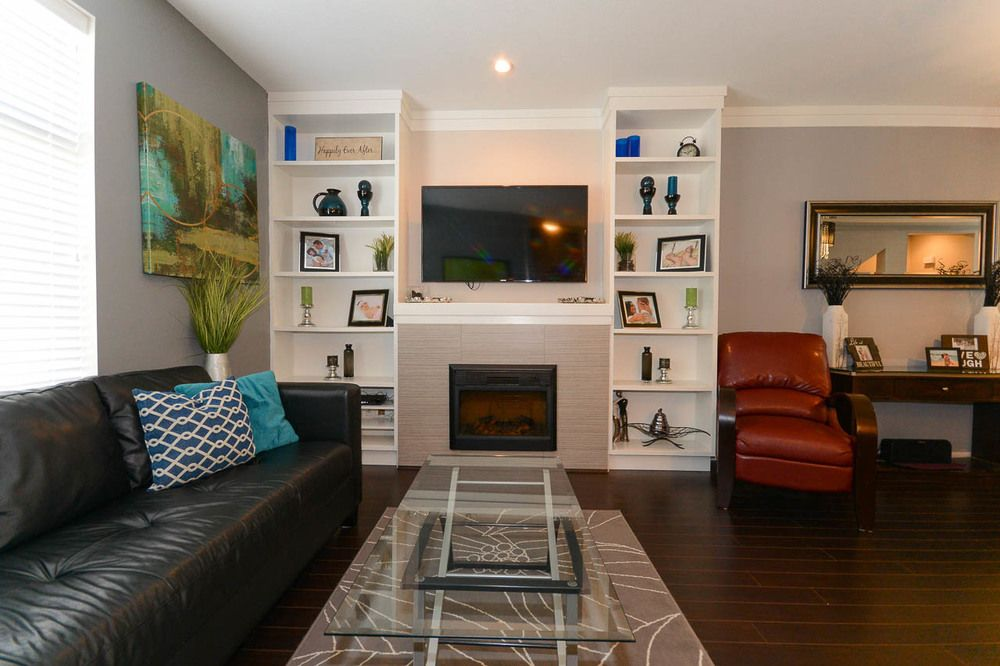 Main Photo: 44 14377 60 AVENUE in Surrey: Sullivan Station Townhouse for sale ()  : MLS®# R2099824