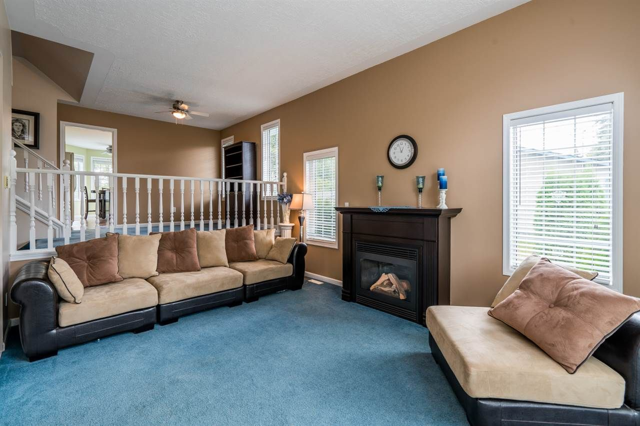 """Photo 2: Photos: 1726 SOMMERVILLE Road in Prince George: North Blackburn House for sale in """"SOMMERVILLE"""" (PG City South East (Zone 75))  : MLS®# R2102795"""
