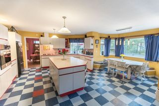 """Photo 9: 536 SAN REMO Drive in Port Moody: North Shore Pt Moody House for sale in """"NORTH SHORE"""" : MLS®# R2204199"""