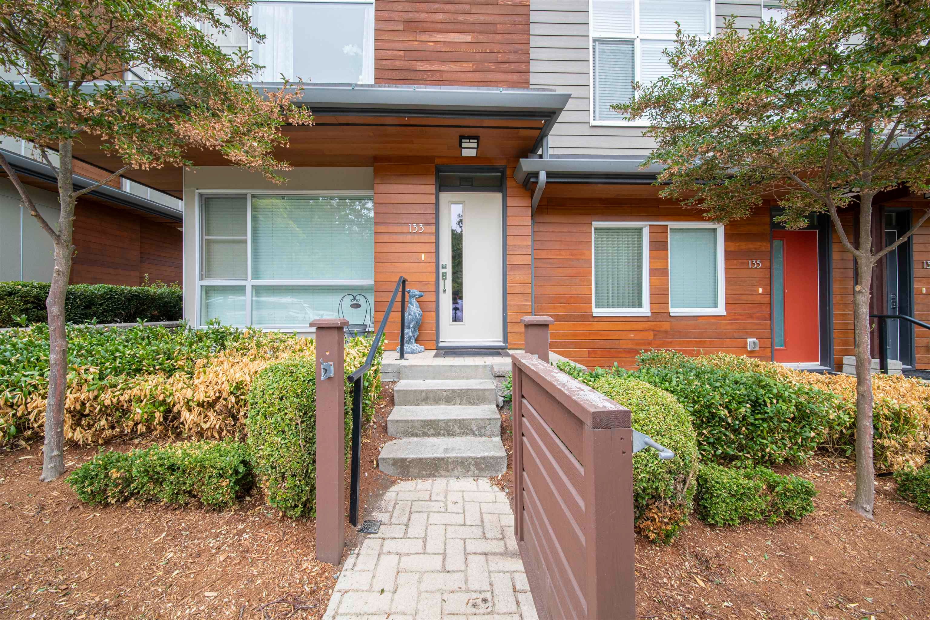 Main Photo: 133 2228 162 STREET in Surrey: Grandview Surrey Townhouse for sale (South Surrey White Rock)  : MLS®# R2611698