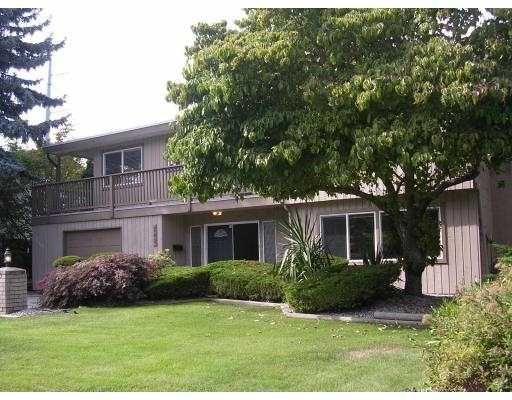 "Main Photo: 243 W MURPHY Drive in Tsawwassen: Pebble Hill House for sale in ""TSAWWASSEN HEIGHTS"" : MLS®# V788082"