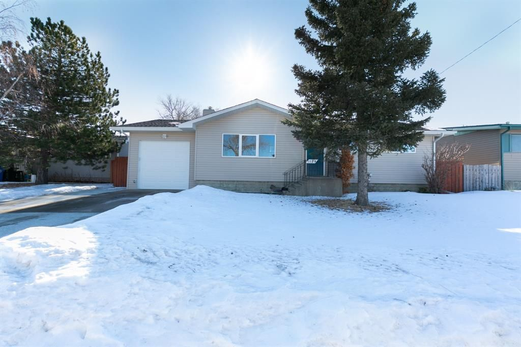 Main Photo: 1129 Downie Street: Carstairs Detached for sale : MLS®# A1072211