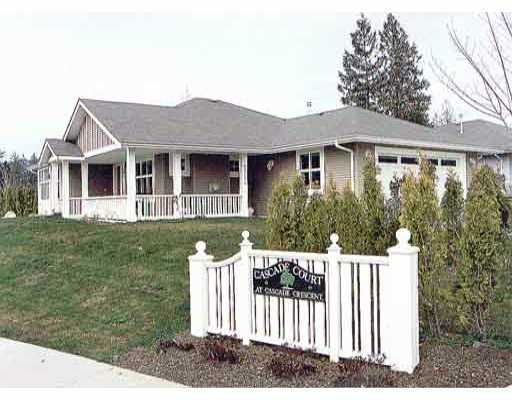 "Main Photo: 5632 CASCADE Crescent in Sechelt: Sechelt District House for sale in ""Cascade"" (Sunshine Coast)  : MLS®# V811048"