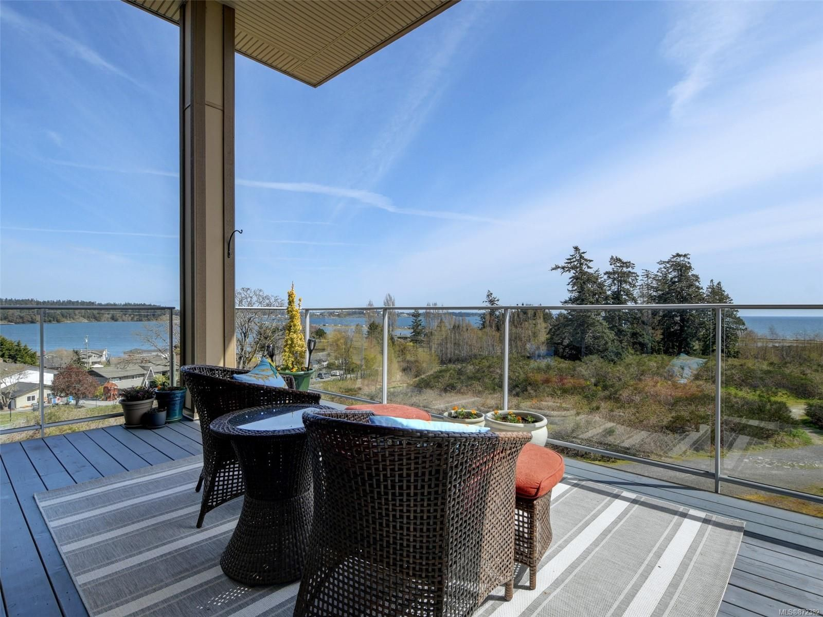 Main Photo: 403 3223 Selleck Way in : Co Lagoon Condo for sale (Colwood)  : MLS®# 872382