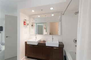 Photo 10: 704 535 SMITHE STREET in Vancouver: Downtown VW Condo for sale (Vancouver West)  : MLS®# R2048097