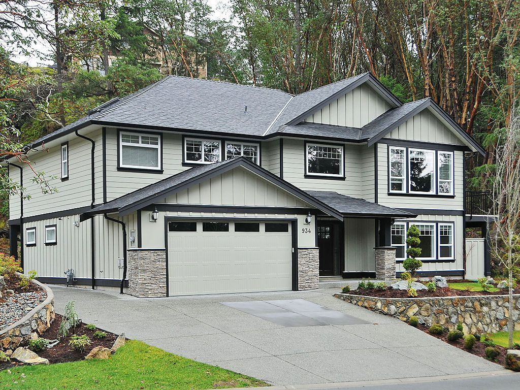 Main Photo: 934 Gade Rd in VICTORIA: La Bear Mountain House for sale (Langford)  : MLS®# 630122