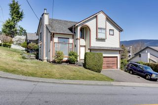 Photo 1: 2917 WALTON Avenue in Coquitlam: Canyon Springs House for sale : MLS®# R2569168