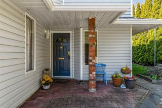 """Photo 2: 7 5925 177B Street in Surrey: Cloverdale BC Townhouse for sale in """"The Gables"""" (Cloverdale)  : MLS®# R2447082"""