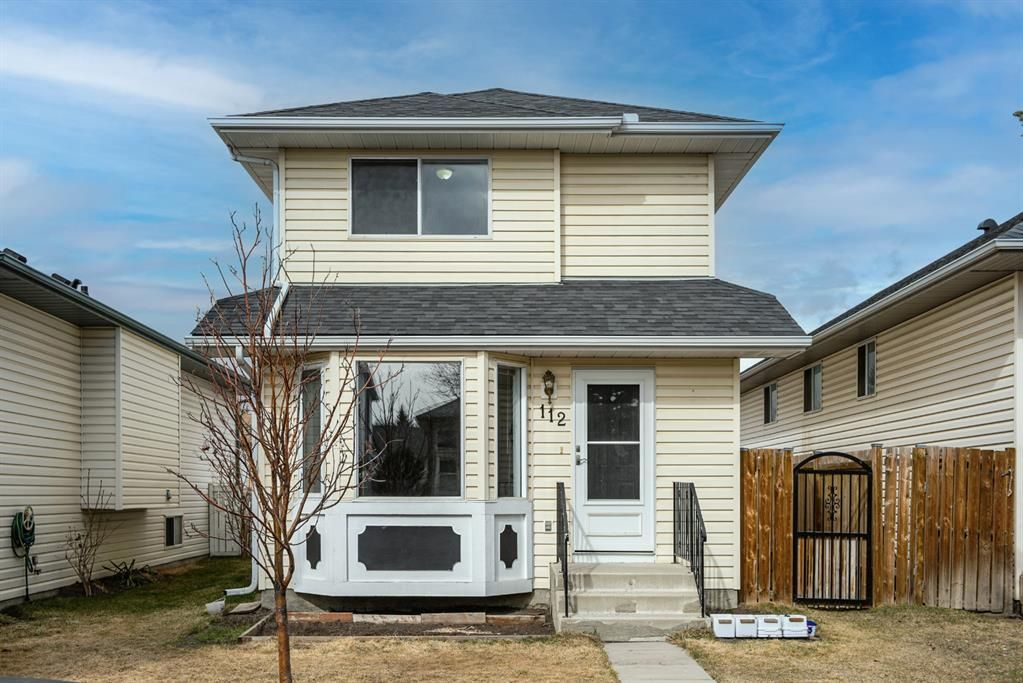 Main Photo: 112 Coverdale Way NE in Calgary: Coventry Hills Detached for sale : MLS®# A1090266