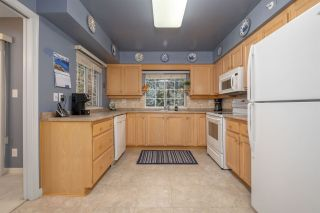 """Photo 7: 402 2963 BURLINGTON Drive in Coquitlam: North Coquitlam Condo for sale in """"BURLINGTON ESTATES"""" : MLS®# R2555417"""