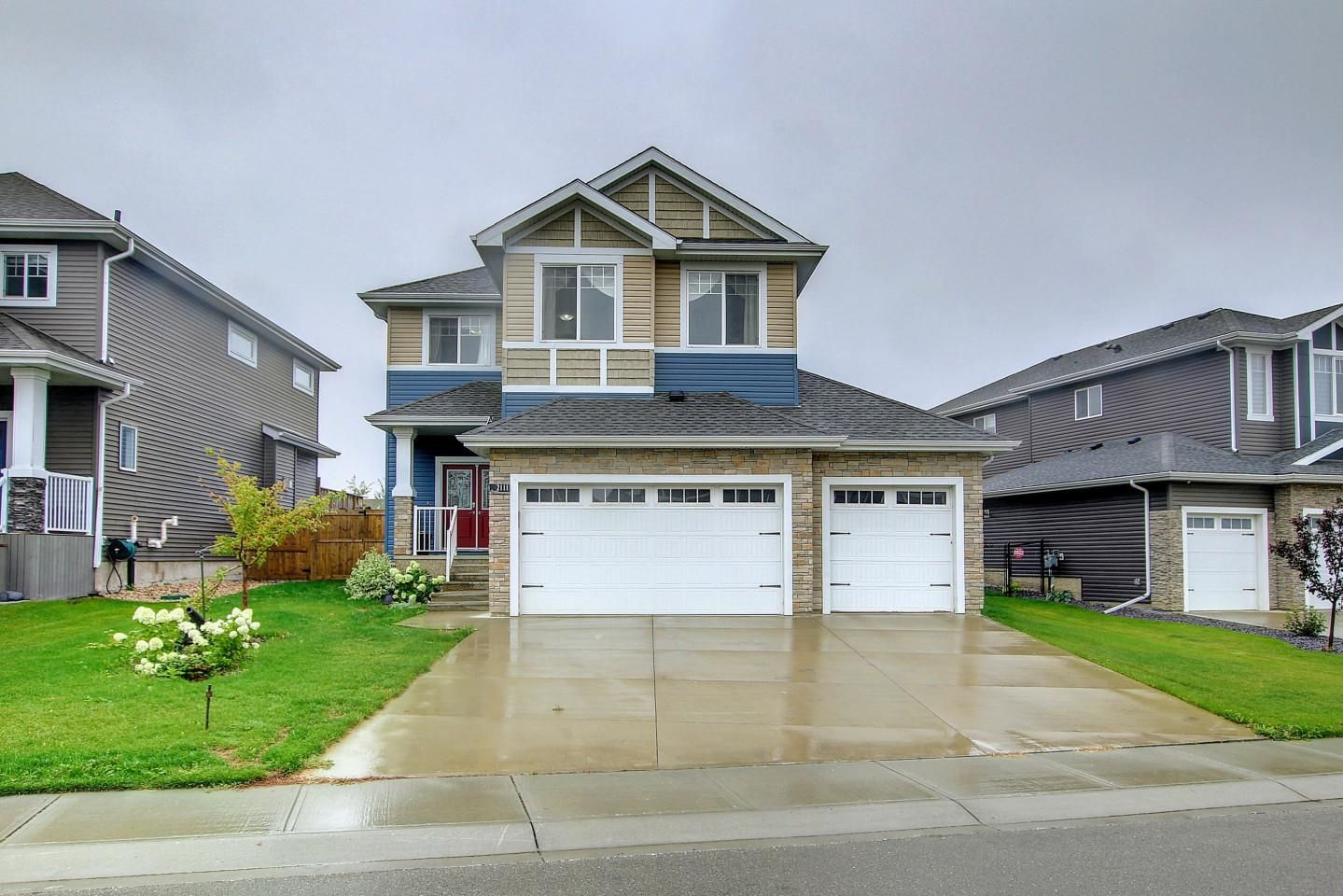Main Photo: 2111 BLUE JAY Point in Edmonton: Zone 59 House for sale : MLS®# E4261289