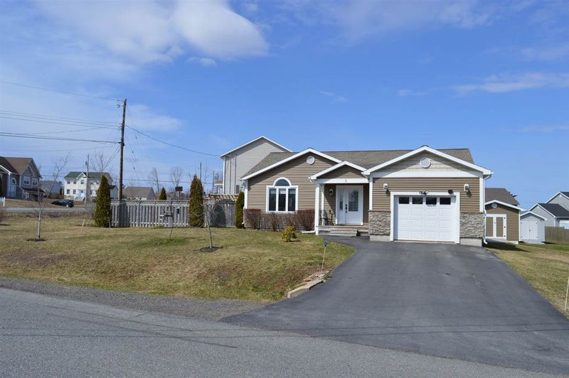 FEATURED LISTING: 5 TAILFEATHER Court North Kentville
