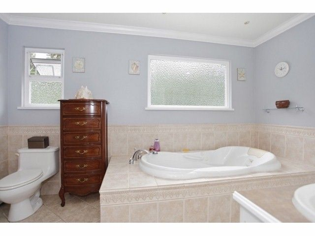 Photo 11: Photos: 29 Clovermeadows Cr in Langley: Salmon River House for sale : MLS®# F1429992