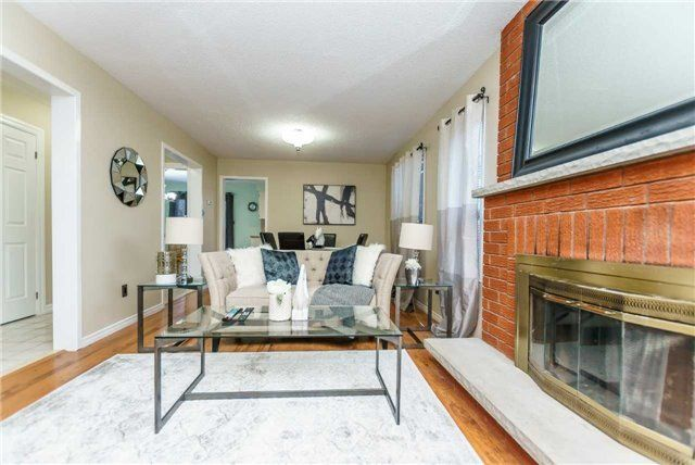 Photo 5: Photos: 3 Shenstone Avenue in Brampton: Heart Lake West House (2-Storey) for sale : MLS®# W4032870
