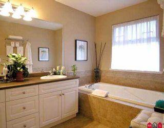 Photo 6: 18118 66 AV in Surrey: Cloverdale BC House for sale (Cloverdale)  : MLS®# F2602687