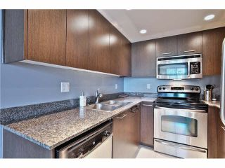 """Photo 9: 307 1212 HOWE Street in Vancouver: Downtown VW Condo for sale in """"1212 HOWE - MIDTOWN"""" (Vancouver West)  : MLS®# V1078871"""