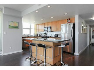 """Photo 6: 2206 120 MILROSS Avenue in Vancouver: Mount Pleasant VE Condo for sale in """"THE BRIGHTON"""" (Vancouver East)  : MLS®# V1108623"""