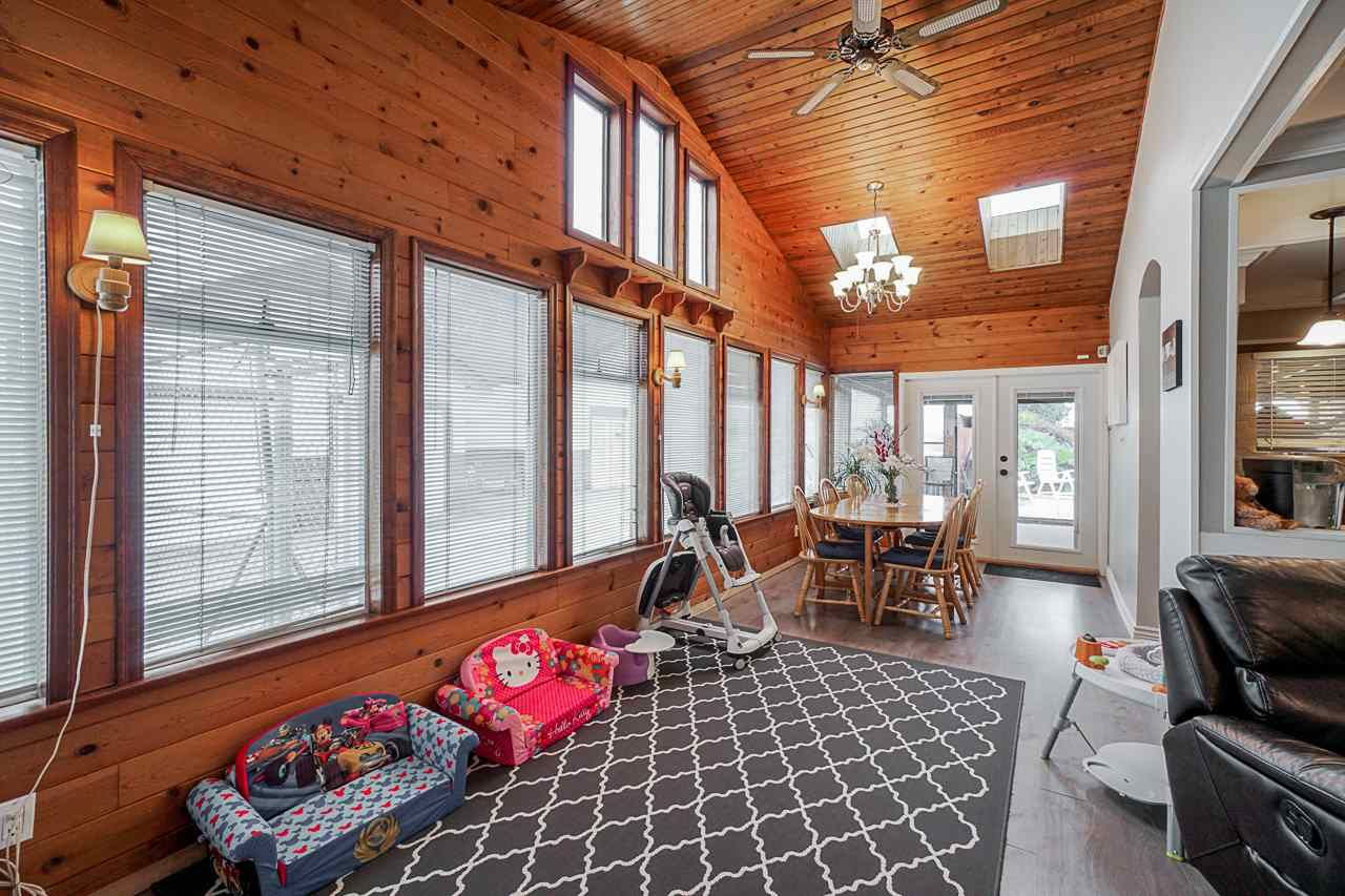"""Photo 15: Photos: 6240 STEVESTON Highway in Richmond: Gilmore House for sale in """"WESTWIND GREENHOUSES"""" : MLS®# R2510505"""