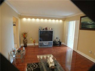 Photo 17: 903 5 Vicora Linkway in Toronto: Flemingdon Park Condo for sale (Toronto C11)  : MLS®# C3224137
