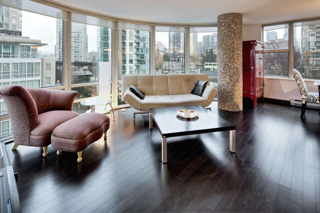 """Main Photo: 909 1500 HORNBY Street in Vancouver: Yaletown Condo for sale in """"888 BEACH"""" (Vancouver West)  : MLS®# R2020455"""