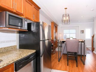 Photo 10: 2151 TRIUMPH Street in Vancouver: Hastings Sunrise 1/2 Duplex for sale (Vancouver East)  : MLS®# R2412946