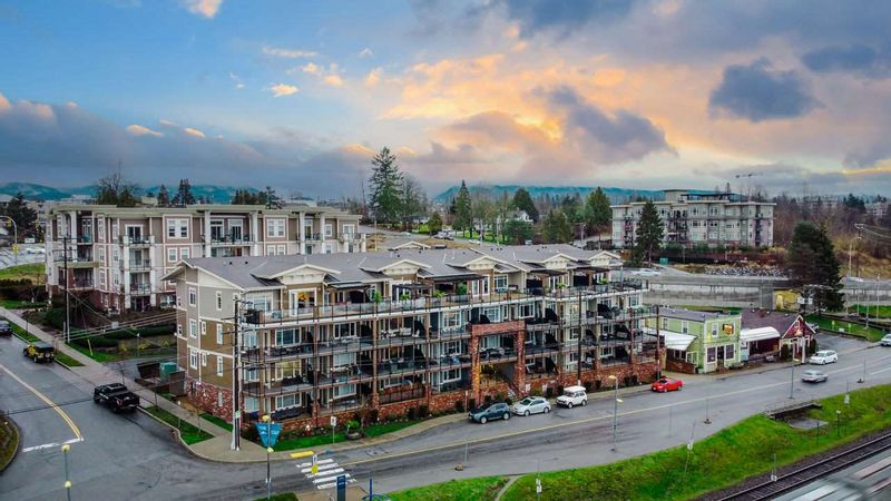 FEATURED LISTING: 404 - 22327 RIVER Road Maple Ridge