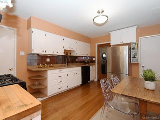 Photo 8: 453 Moss St in VICTORIA: Vi Fairfield West House for sale (Victoria)  : MLS®# 806984