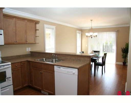 """Photo 4: Photos: 3 3348 MT LEHMAN Road in Abbotsford: Bradner Townhouse for sale in """"EDEN COURT"""" : MLS®# F2807403"""