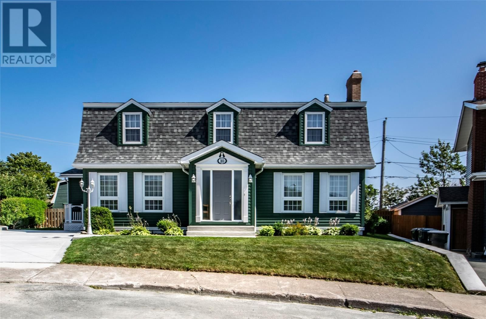 Main Photo: 10 LaManche Place in St. John's: House for sale : MLS®# 1236570