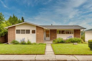 Main Photo: 77 Cumberland Drive NW in Calgary: Cambrian Heights Detached for sale : MLS®# A1131368