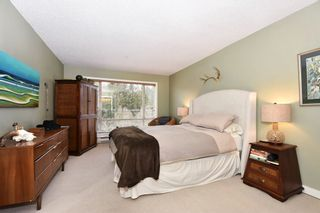 "Photo 9: 302 2288 LAUREL Street in Vancouver: Fairview VW Townhouse for sale in ""PARKVIEW TERRACE"" (Vancouver West)  : MLS®# R2129884"