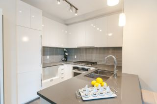 """Photo 2: 217 9399 ALEXANDRA Road in Richmond: West Cambie Condo for sale in """"ALEXANDRA COURT"""" : MLS®# R2502911"""