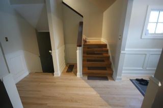 Photo 5: 3207 ALFEGE Street SW in Calgary: Upper Mount Royal Detached for sale : MLS®# A1055978